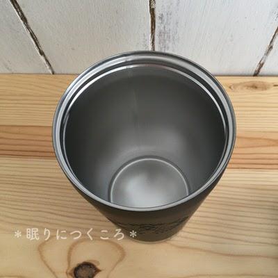 シンプルで口径が広いので直接スポンジで洗えるスタバのtogoタンブラー(マットブラック)