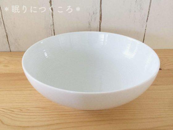 無印良品の白磁多様鉢正面