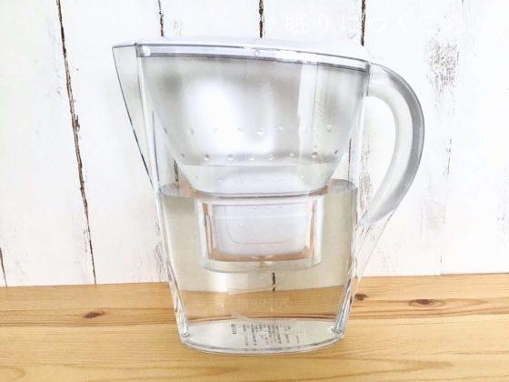 1.4Lの水をろ過し終えた状態のブリタの浄水ポットマレーラCOOL